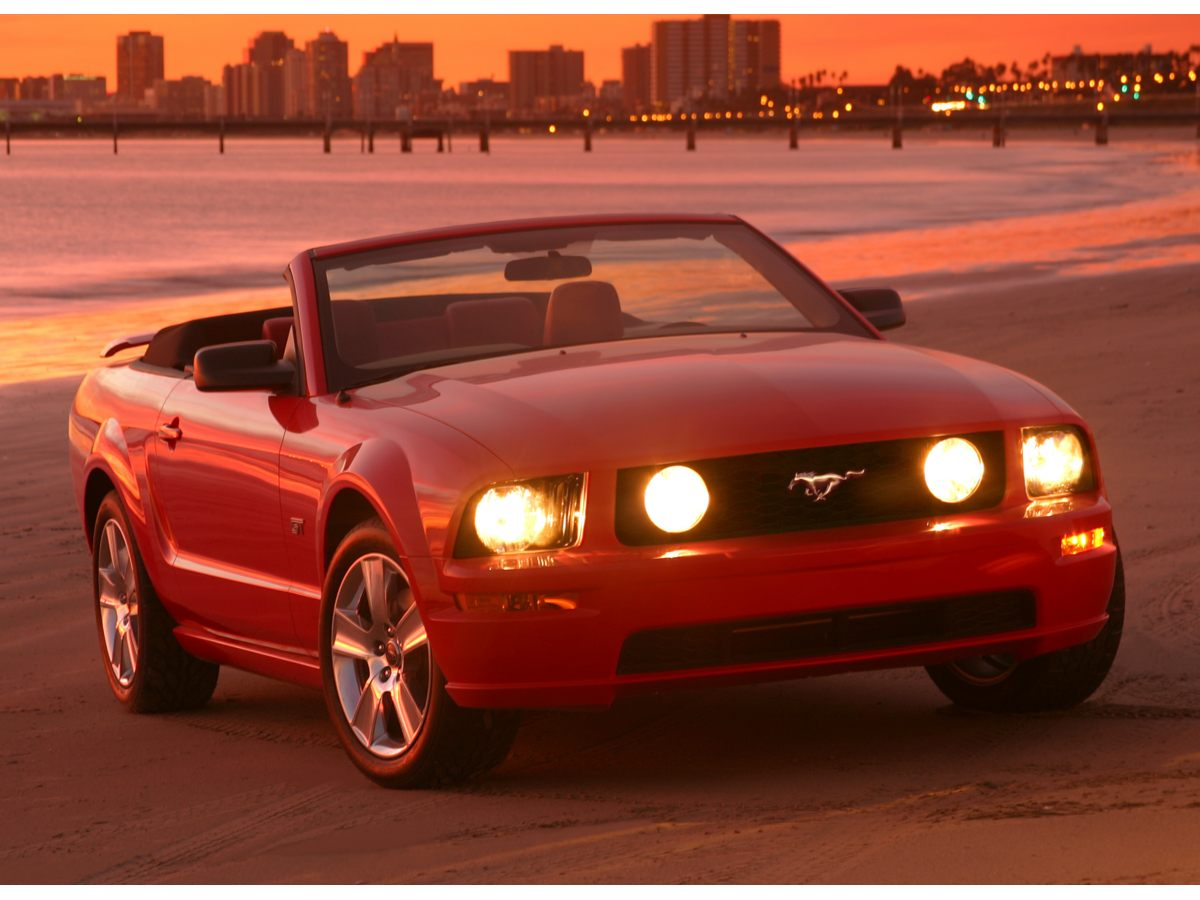 Pre owned 2006 ford mustang v6 premium